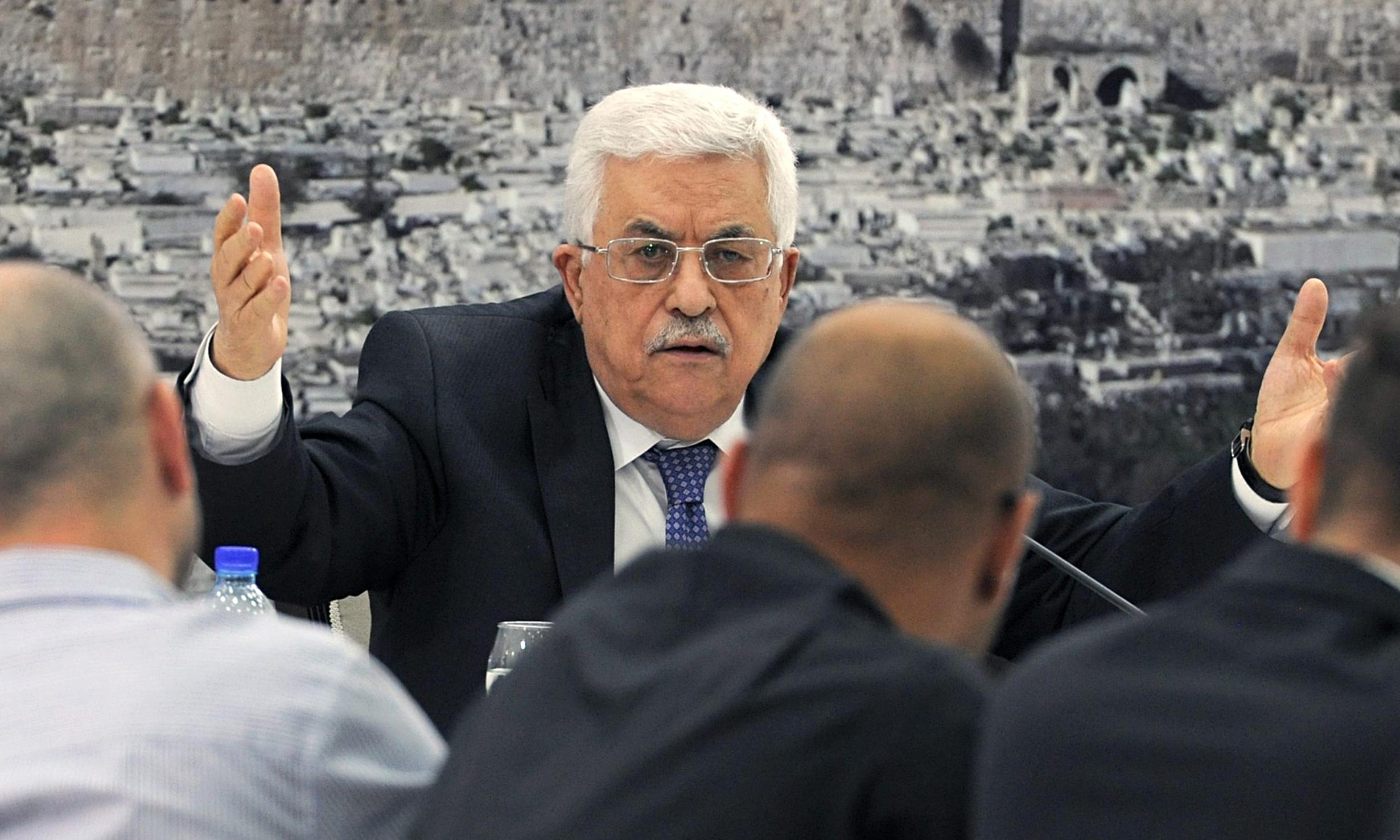 عباس يجدد استعداده التفاوض مع اسرائيل وحماس تطالبه بتحديده الانتخابات