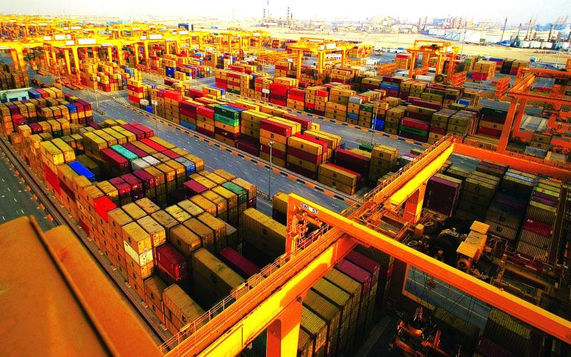 بيانات الإتحادية للجمارك تظهر نمو التجارة غير النفطية للعام الماضي