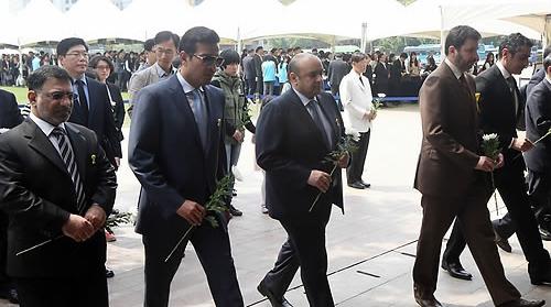 سفراء دول مجلس التعاون في سيؤول يعزون الشعب الكوري
