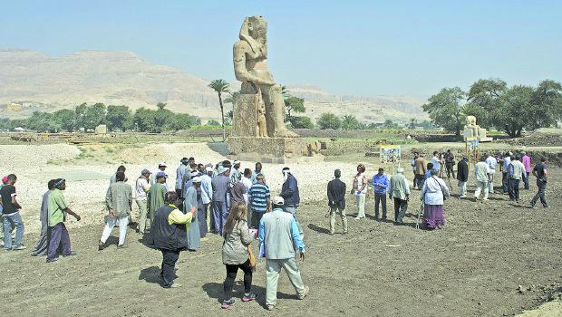 رفع رسوم  تأشيرة دخول مصر الى 25 دولار
