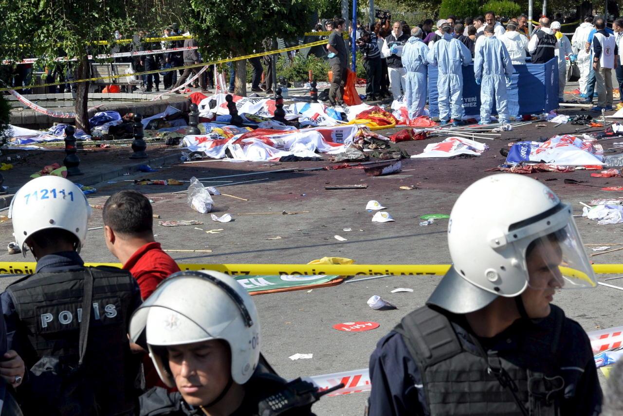 مقتل 11 بتفجير مفخخة استهدف مبنى للأمن جنوب شرقي تركيا