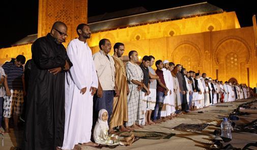 بلدية العين: إقامة مساجد نموذجية مؤقتة بالتعاون مع «الأوقاف»