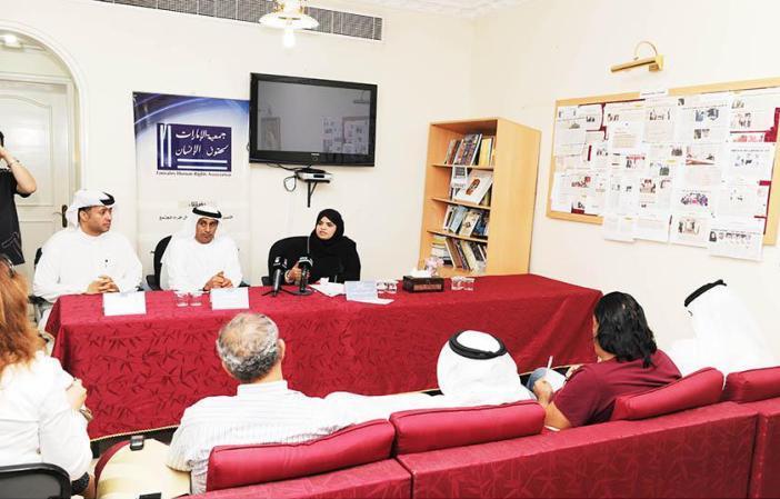 الإمارات تؤكد وجود الشفافية في محاكمة خلية القاعدة وتنفي التعذيب
