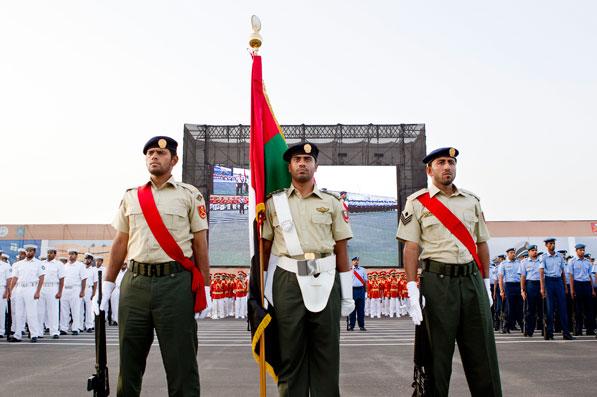 رئيس الدولة يشيد بالقوات المسلحة في الذكرى الـ 38 لتوحيدها 