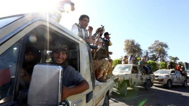 ليبيون يتظاهرون ضد ما أسموه التدخل الإماراتي والمصري