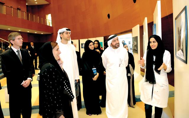 القاسمي تشيد بجهود الهلال الأحمر الإماراتي في العمل الإنساني
