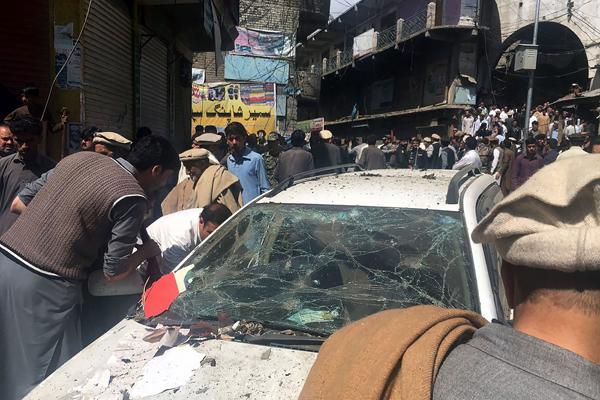 22 قتيلاً بتفجير في سوق بباكستان