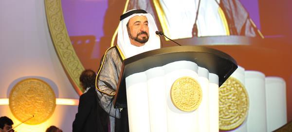 مهرجان المسرح الخليجي يكرم حاكم الشارقة ويختاره شخصية العام