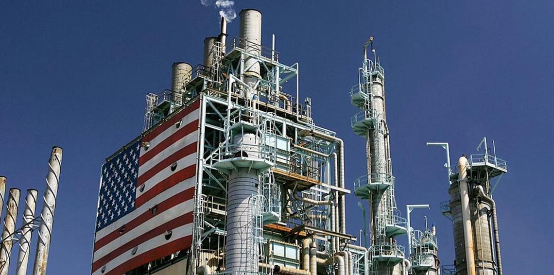 مخزونات الخام والبنزين الأمريكية تنخفض بشدة