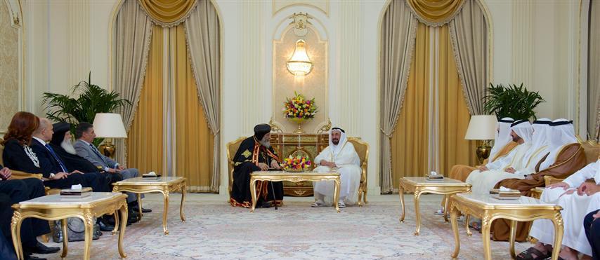 حاكم الشارقة يلتقي البابا تواضروس الثاني