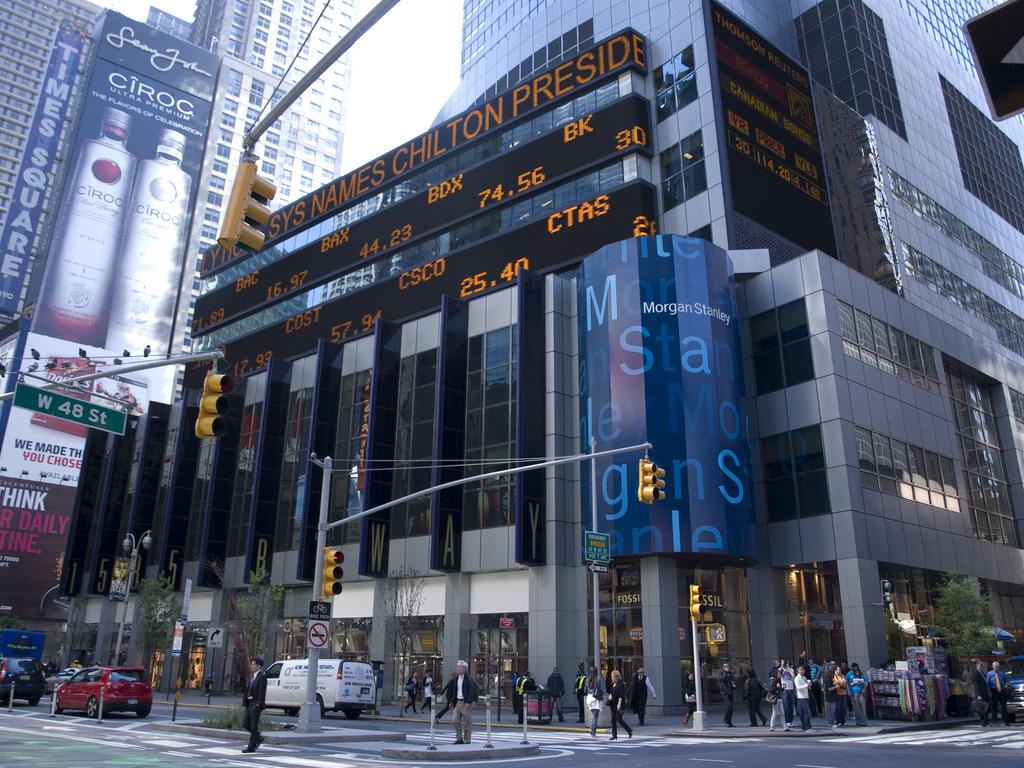 صعود أسواق الأسهم في الإمارات ترقبًا لقرارات مورغان ستانلي