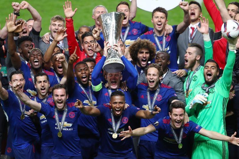 مانشستر يونايتد يصبح أكثر الأندية الإنجليزية إحرازاً للألقاب