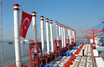 محطة كهربائية تركية عائمة تنتظر الإذن لتزويد غزة بالطاقة