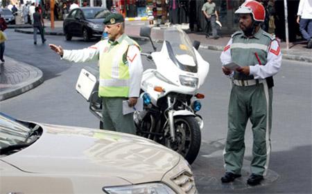 63 ألف مخالفة في دبي بسبب تقارب المركبات العام الماضي