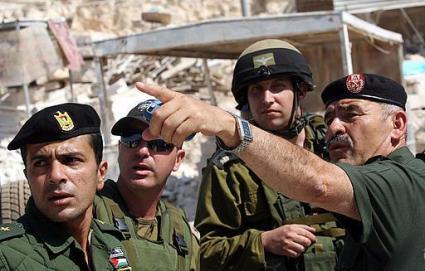 السلطة الفلسطينية تدرس وقف التنسيق الأمني مع إسرائيل