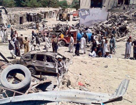 عشرات القتلى بسيارة مفخخة بأفغانستان
