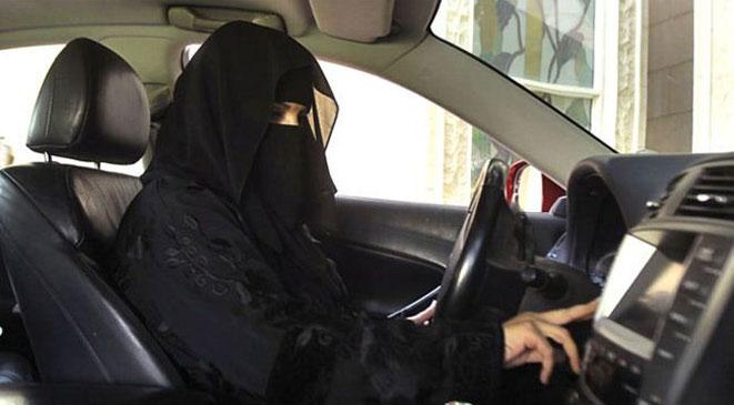السعودية: الشورى يسمح للمرأة بقيادة السيارة ويضع شروط