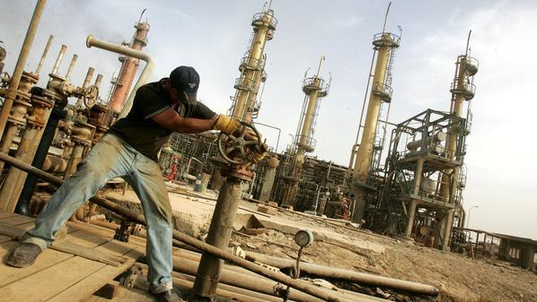 هبوط حاد لأسعار النفط الخام مع بداية تداولات جلسة هذا الأسبوع