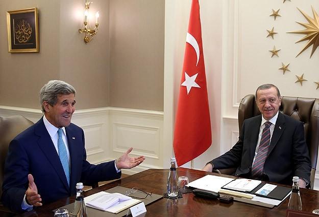 أمريكا وتركيا تؤكدان استمرارهما في مكافحة التنظيمات الإرهابية