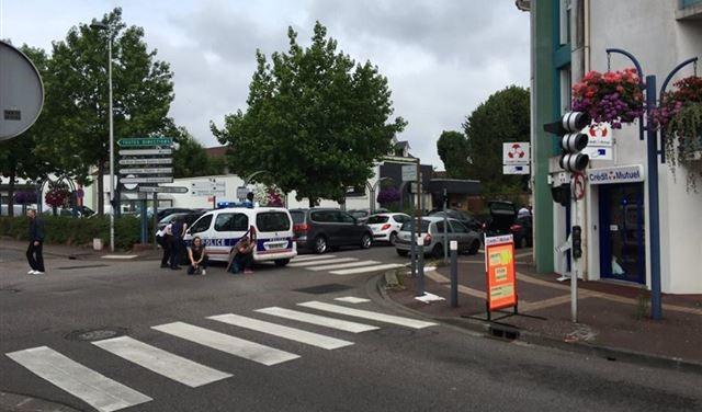 مقتل قس في كنيسة بفرنسا وتنظيم الدولة يعلن مسؤوليته