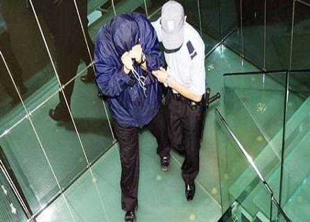 شرطة دبي تعتقل بريطاني اختلس 23 مليون درهم