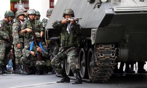 انقلاب عسكري في تايلاند وإعلان الأحكام العرفية