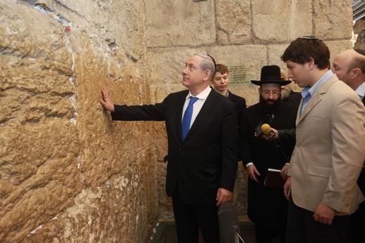 نتنياهو يعتزم اقتحام الحرم الإبراهيمي
