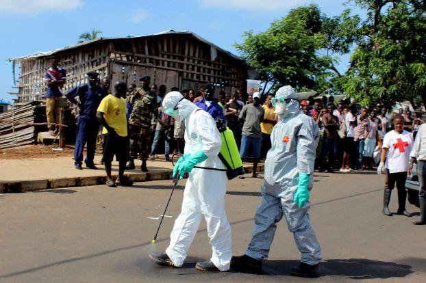 الإمارات تنفذ مشروع بـ 5 ملايين دولار لمكافحة إيبولا في أفريقيا