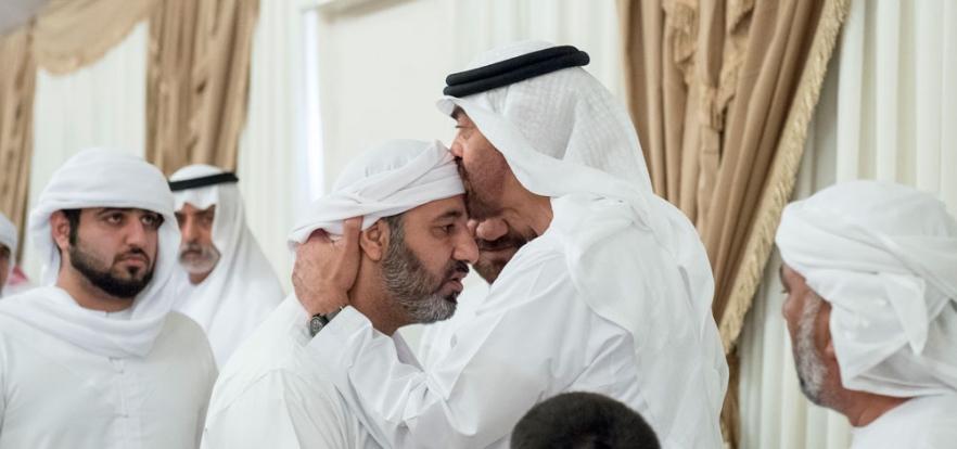 محمد بن زايد يشيد بتضحيات الشعب الإماراتي