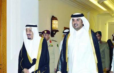 أمير قطر في الرياض الثلاثاء ويبحث مع الملك سلمان المستجدات الخليجية