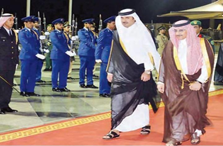 محمد بن نايف تجه صوب الدوحة في أول زيارة خارجية له