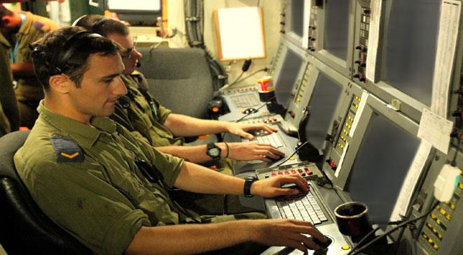 43 جنديا إسرائيليا يتمردون على المخابرات