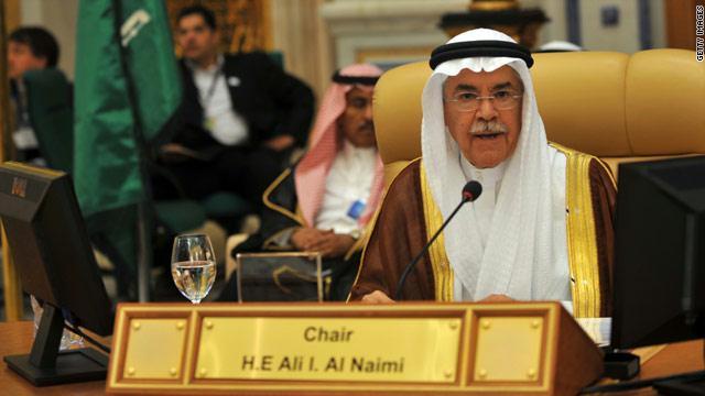 وزير النفط السعودي: إشاعات المؤامرة بخصوص أسعار النفط خبيثة