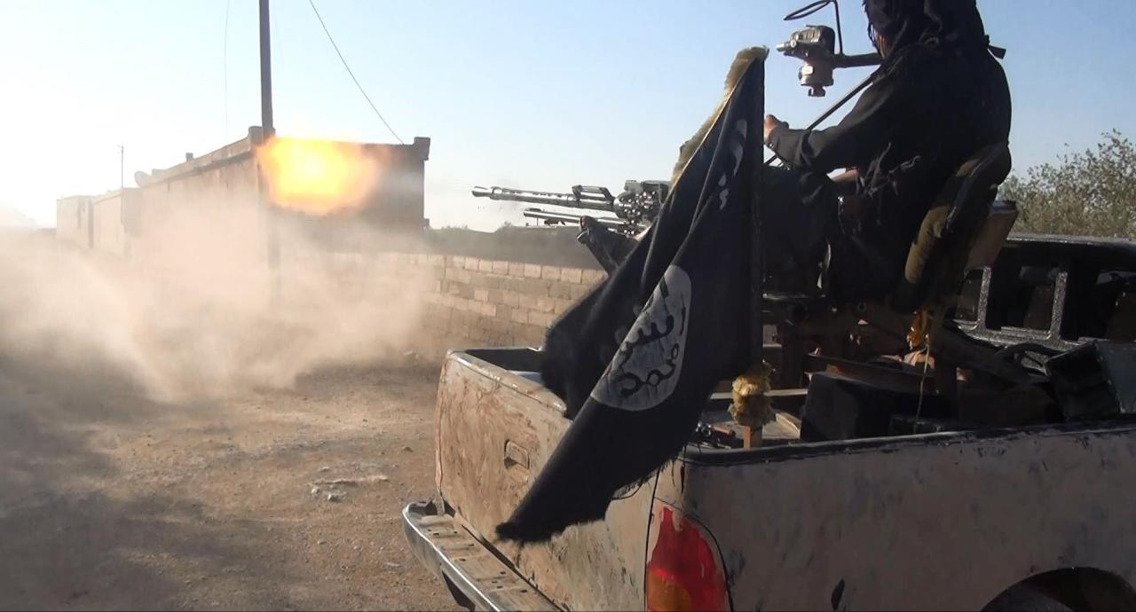 داعش يقتل عشرات الجنود من قوات الأسد في هجوم بدير الزور