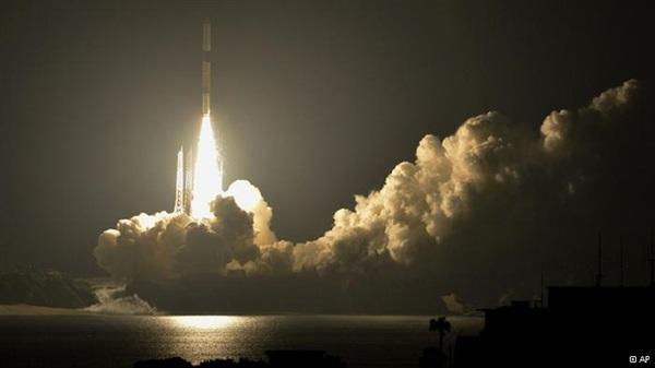 اطلاق قمر صناعي أمريكي بمهمة سرية