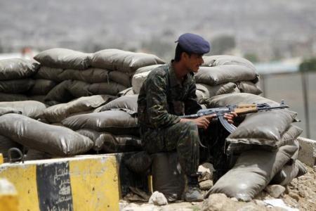 اليمن: مقتل 15 جندياً في هجوم لعناصر القاعدة