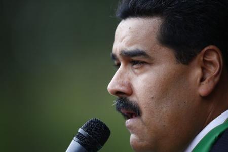 مليونا متابع لحساب الرئيس الفنزويلي على تويتر