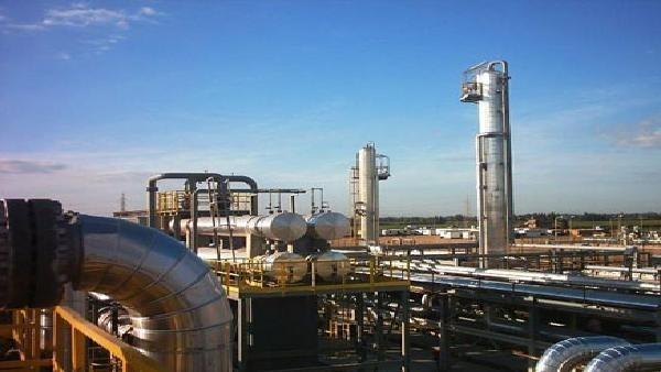 شركة إماراتية توقع عقداً للتنقيب عن النفط بالمغرب