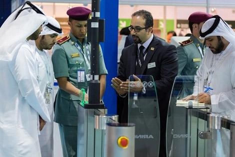 شرطة دبي تحذر من التذاكر المزورة في موسم السفر