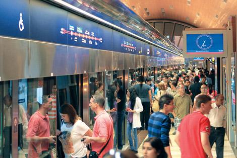مترو دبي ينقل 14 مليون راكب خلال الشهر الماضي