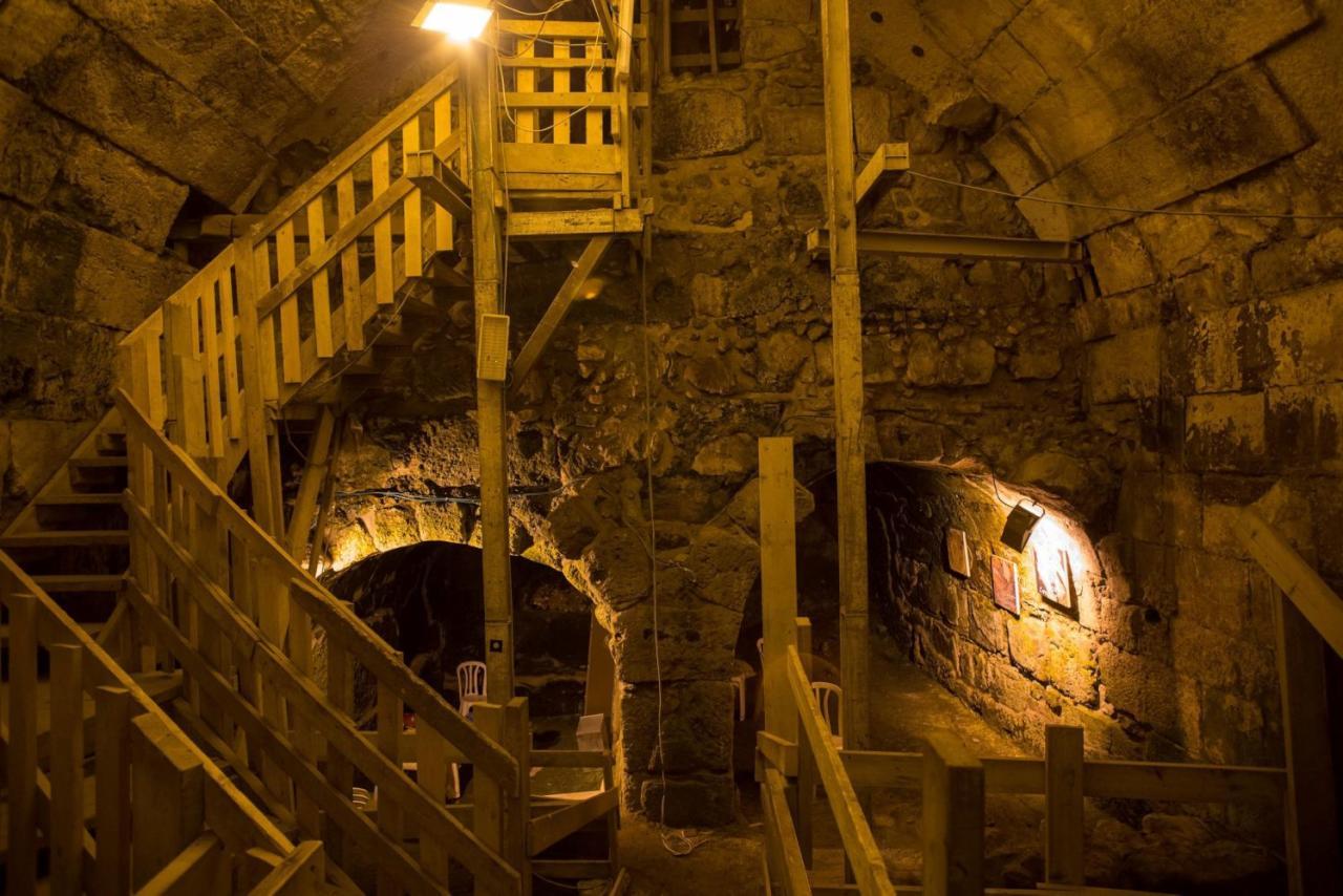حفريات سرية تؤسس لمدينة يهودية أسفل الأقصى