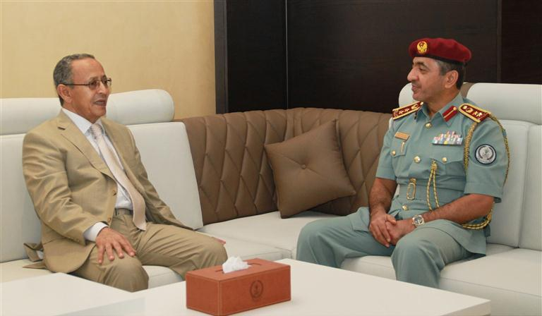 شرطة الشارقة تبحث آفاق التعاون مع الجانب اليمني