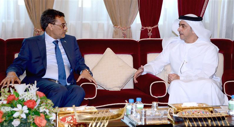 وزير الداخلية يلتقي نظيره الموريتاني