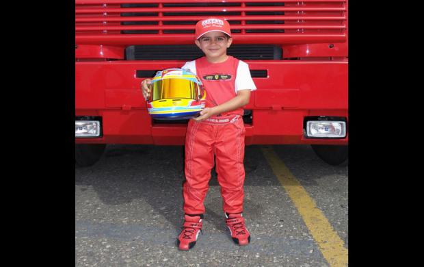طفل إماراتي يفوز بسباق الكارتنج على الساحة الدولية