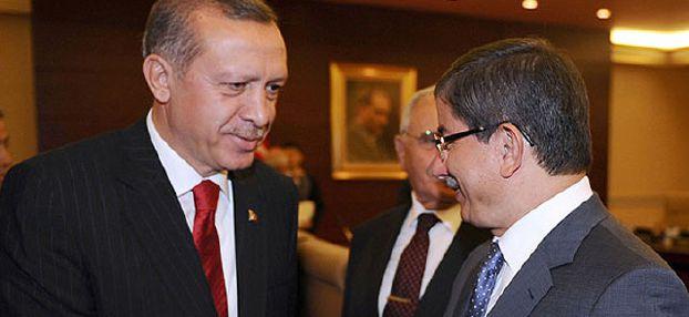 أغلو رئيساً للحكومة التركية خلفاً لأردوغان