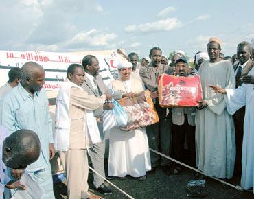 مساعدات إغاثية إماراتية لمتضرري الفيضانات في السودان