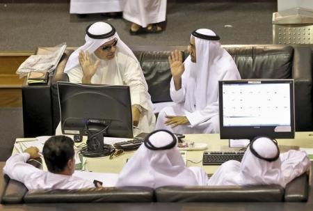 تراجع بورصة دبي والمستثمرون يبيعون حيازتهم من الأسهم
