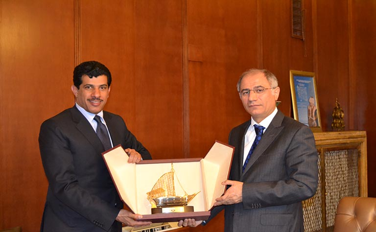 وزير الداخلية التركي و السفير القطري يناقشان التعاون الأمني