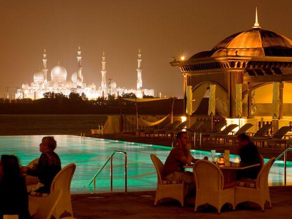 فنادق أبوظبي تستقطب مليونين ونصف المليون زائر خلال تسعة أشهر