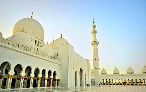 افتتاح جامع الشيخ زايد وأربعة مساجد أخرى في الفجيرة قبل رمضان